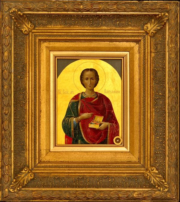 Икона с мощами св. вмч. Пантелеимона
