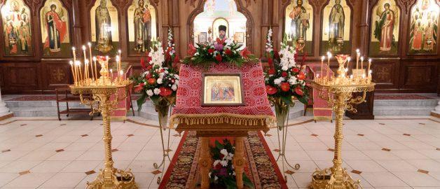 Пасхальные богослужения в храме прп. Сергия Радонежского